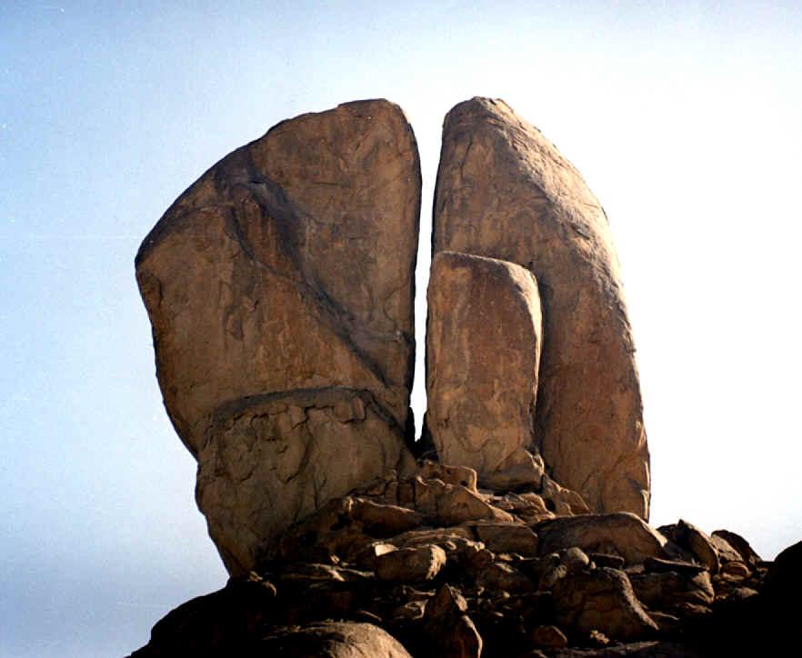 Resultado de imagem para Moses and rock